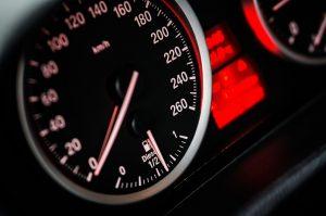 Assurance auto au kilomètre : comment fonctionne-t-elle ?